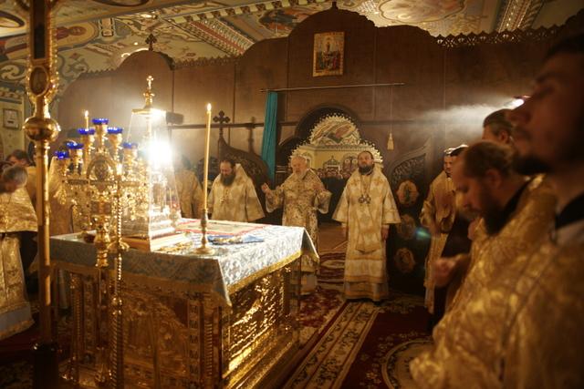 В новогоднюю ночь в Лавре совершена Божественная Литургия