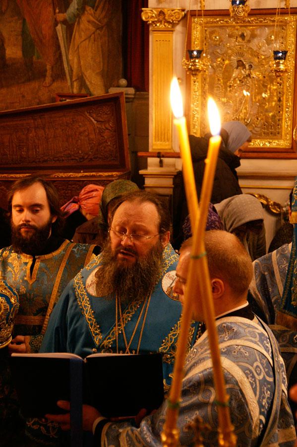 Лаврские богослужения в праздник Похвалы Пресвятой Богородицы